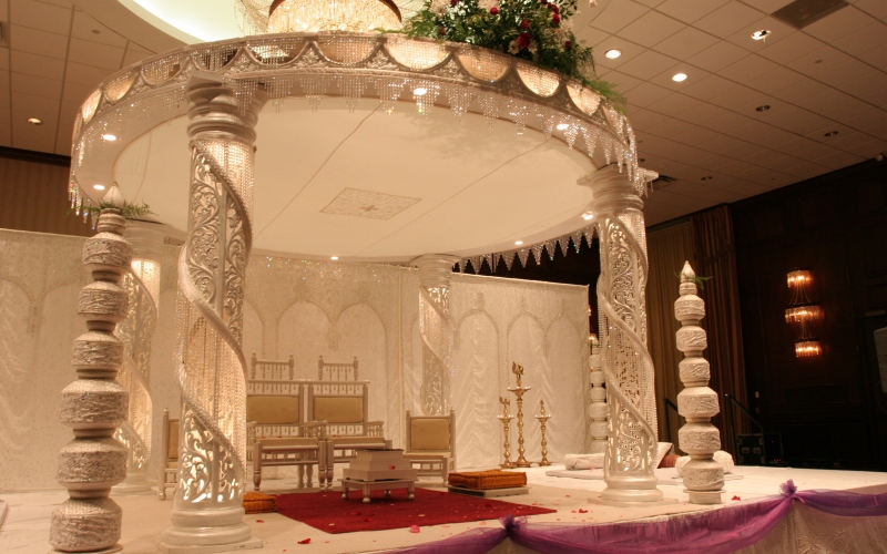 indian wedding decoration stage